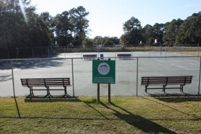 Image of tennis courts in L.D. Chapman Park