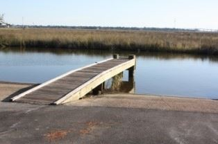 Image of dock on bayou, McInnis Bayou Launch